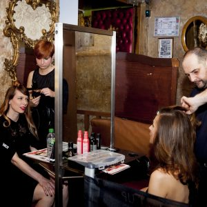 Bar-o%cc%88-maquillage-et-bar-o%cc%88-coiffure-5